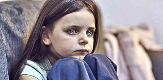 6 Types Of Parents Who Push Their Child To Suffer Emotional Neglect