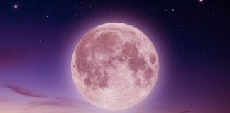 This Full Moon Will Force All Of Us To Face Our Past Wounds, Thanks To Chiron